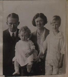 Дикинсон Бишоп с семьей в 1921 году