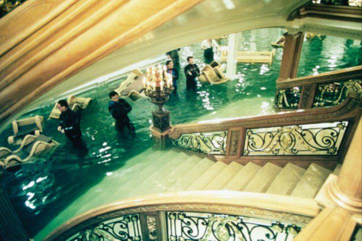 Затопление Парадной лестницы.