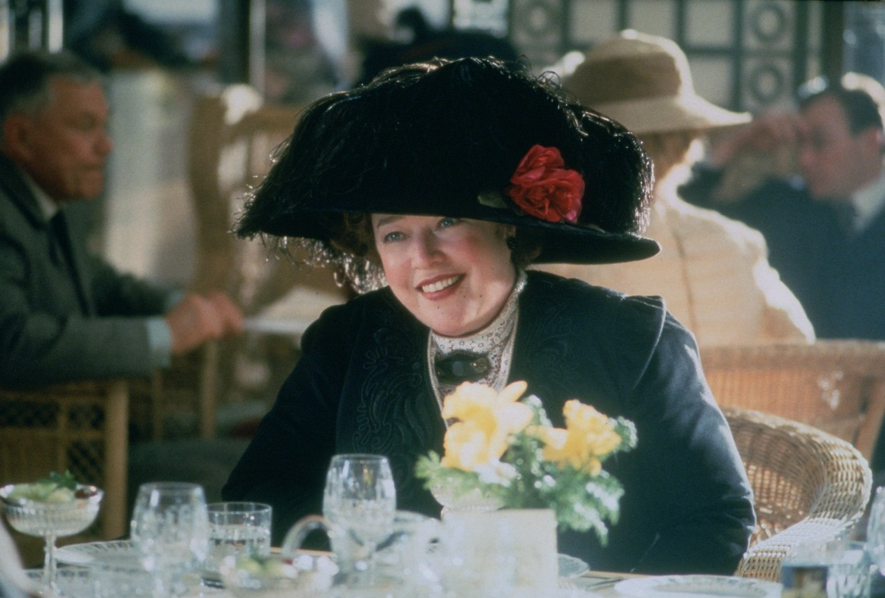 Кэти Бейтс в роли Маргарет Браун.