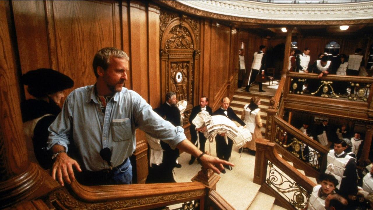 Джеймс Кэмерон снимает сцену затопления Парадной лестницы.