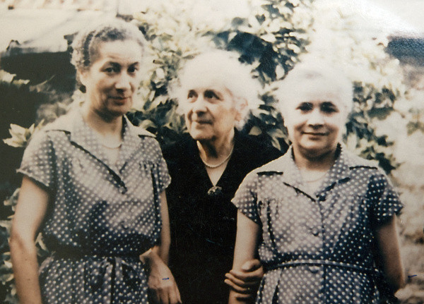 This 1974 photo shows Juliette LaRoche and daughters Simone, left, and Louise. The three, along with husband and father Joseph LaRoche, were on the Titanic when it sank April 15, 1912. Joseph put his wife and daughters on a life boat and they survived as Joseph went down with the ship. Marjorie Alberts, of Huntington Beach, believes she is a distant relative of LaRoche and is writing a screenplay about him. ///ADDITIONAL INFORMATION: sunread.titanic.0414.pb – 4/8/13 – Photo Courtesy Marjorie Alberts –